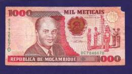 MOZAMBIQUE 1991, Banknote, USED VG. 1.000 Meticais (little Torn) - Mozambique