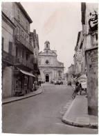 Vallauris, L'entrée De La Ville Et L'église (autobus Cannes-Vallauris Au Fond) - Vallauris
