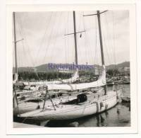 P55 - Yacht voilier de plaisance en bois au port - 1 photo ancienne Cannes 1950s