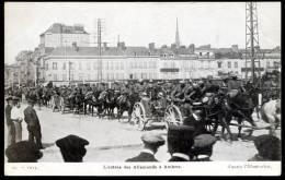 CPA. GUERRE 1914.  L'entrée Des Allemands à AMIENS. - Amiens