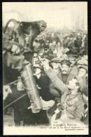 """CPA. GUERRE 1914.  """"Drinks"""" Le Favori Du Régiment.   """"Singe"""" - Amiens"""
