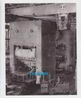 Publicité SIMCA De 1967 - Poissy - Usines Simca Automobile - Atelier Des Presses - Chariot élévateur - Cars