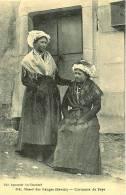 34 - Massif Des Bauges (Savoie)  - Costumes De Pays ... 2 Dames En Costumes Et Coiffes De Pays .... à Voir - Andere Gemeenten