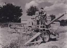 """¤¤  -  Présentation D´une Machine Agricole """" A. 1865 """"de La Maison """" BRAUD """" De Saint-Mars-la-Jaille (44)  -  Tracteur - Tracteurs"""
