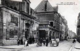 CPA  17  LA ROCHELLE   L'Oratoire, Rue Dauphine - La Rochelle