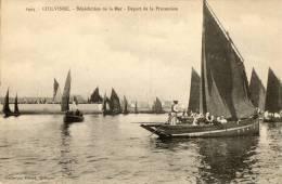 GUILVINEC (29) Bénédiction De La Mer Bateaux En Procession - Guilvinec