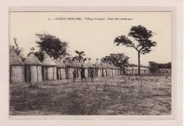 AFRIQUE / GUINEE-BISSAU / GUINEE-FRANCAISE / Village Coniagui / Cases Des Jeunes Gens / Animation - Frans Guinee