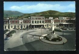 T1125 CARTOLINA SALERNO PIAZZA FERROVIA E STAZIONE  FG.V. - Salerno