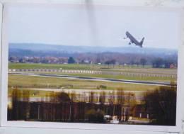 Photo Journal Le Soir Carte N° 176 Bruxelles National Airport Aeroport Decollage Avion  Top - Brussel Nationale Luchthaven