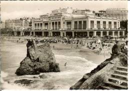 Francia--BIARRITZ--Carta Photo--La Plage Devant Le Casino---C.A.P. Nº 7 - Casinos