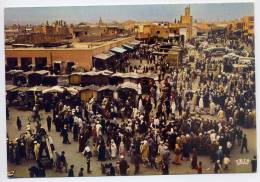 Maroc--MARRAKECH--Place El F' Na (très Animée) ,cpm   N° 95.310.84  éd  Sochepress--cliché Royal Air-Maroc - Marrakech