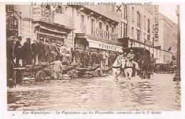 CPA - AVIGNON - INONDATIONS 1935 - RUE REPUBLIQUE - - Inondations