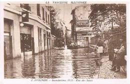 CPA - AVIGNON - INONDATIONS 1935 - RUE DES LICES - - Inondations