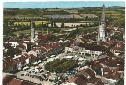 Gers :  MARCIAC : La  Place  Centrale  Et Les 2 Clochers  , Vue Aérienne - France