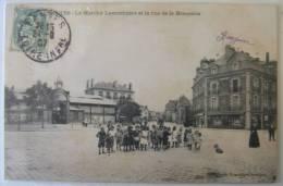 44 NANTES LE MARCHE LAMORICIERE ET LA RUE DE LA BRASSERIE - Nantes