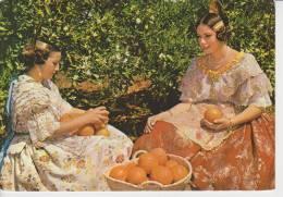 (AKB45) VALENCIA. MUJERES CON NARANJAS. FEMMES ET ORANGES - Valencia