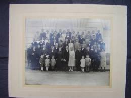 UNE FAMILLE BOURGEOISE PHOTO 28X22CM SUR CARTON 40X32CM - Persone Anonimi