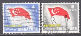 Singapore 49-50  (o)  NATIONAL  DAY  FLAG - Singapore (1959-...)