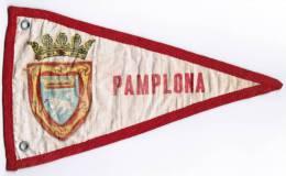 FANION EN TISSU PAMPLONA FIESTA DE SAN FERMIN ENCIERRO - Patches