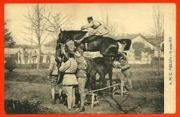 CPA Militaria A. M. C. MELUN (77) Mars 1921 - Cavalerie Militaire - Obstacle Constitué De Deux Chevaux - Curiosa - Unclassified
