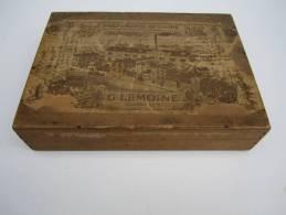 Coffret en bois/ Publicitaire/ Parfumerie du Globe/G Lemoine Parfumeur/Levallois Perret/ vers 1900         PARF29