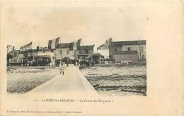 Charente Maritime - Port Des Barques -ref E709- La Pointe Des Blagueurs Un Jour De Féte  - - Altri Comuni