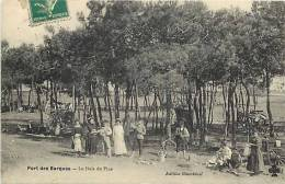 Charente Maritime - Port Des Barques -ref E706- Le Bois Des Pins  -carte Bon Etat   - - France
