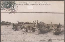 SOUDAN----Le Niger--Pêcheurs Reparant Leurs Filets Et Leurs Pirogues---animée Beau Plan - Sudan
