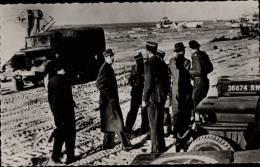 CARTE POSTALE SEMI MODERNE PETIT FORMAT _ TÊTE DE PONT DE NORMANDIE _ 1ers PAS DU Gal DE GAULLE SUR LA TERRE DE FRANCE - Guerre 1939-45