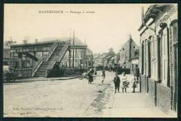 HAZEBROUCK (59) FRANCE FRANÇA - CPA PASSAGE À NIVEAU -  Animé - Hazebrouck
