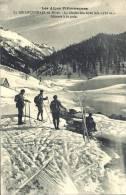 05 - LE BRIANÇONNAIS EN HIVER - Hautes Alpes - Le Chalet Des Ayes - Alt 1750 M. - Skieurs à La Pose - Briancon