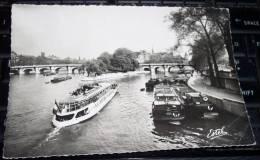 CPA Paris La Seine Au Pont De Arts Bateau Peniche ('plan RARE) - Hausboote