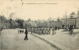 22 GUINGAMP - LA PLACE ST / SAINT MICHEL - Guingamp