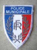INSIGNE TISSUS PATCH POLICE MUNICIPALE SUR VELCRO ETAT EXCELLENT - Polizia