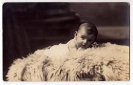 PHOTOGRAPHS CHILDREN A BABY OLD POSTCARD - Photographs