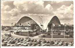 92 - PUTEAUX  -  Palais Du C.N.I.T.  - Rond-Point De La Défense   CPSM  - Animation  Bus, Voitures - Puteaux