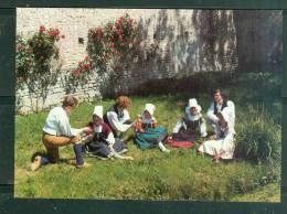 CPSM GF -   Groupe Folklorique Gay Sçavoir - Bayeux - Arts Et Traditions De Normandie   - LAG02 - Bayeux