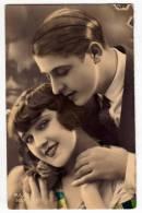 PHOTOGRAPHS COUPLE  A COUPLE P.I.A. Nr. 1057 OLD POSTCARD 1934. - Photographs