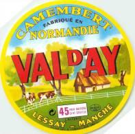 Etiquette. Ref. 179. VAL D´AY - Camembert Fabriqué En Normandie - LESSAY - MANCHE - Fromage