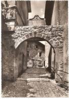 Dépt 01 - PEROUGES - Cité Médiévale - Entrée Par La Porte D´En-bas (inscription Siège Pérouges 1465) CPSM Grand Format - Pérouges