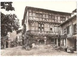 Dépt 01 - PEROUGES - Cité Médiévale - Hostellerie (Mon. Hist., XIIIè S.). Rue Du Prince (CPSM Grand Format) - Pérouges