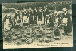 Une Noce De 1500 Personnes Au Pays De Cornouaille - Un Coin Des Cuisines La Préparation Des Plats- Um04 - Unclassified