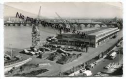 - 197 - BORDEAUX - Vue Sur Les Quais Et Le Pont De Pierre, écrite, 3 Timbres, Camions, Petit Format, Bon état, Scans - Bordeaux
