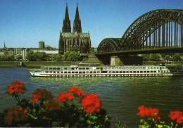 00697 Motorschiff BRITANNIA Bei Köln Auf Dem Rhein - KD Köln-Düsseldorfer - Non Classés