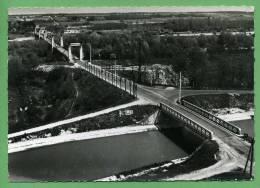 45 CHATILLON-sur-LOIRE - Le Canal Et Le Pont Suspendu Sur La Loire (En Avion Au-dessus De ...) - Chatillon Sur Loire