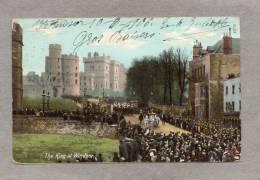 34772    Regno  Unito,   Windsor   Castle  -  The  King  At  Windsor,  VG  1906 - Windsor Castle