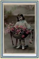 CPA *** Jolie Carte De Jeune Fille *** Belle Carte . - Portretten