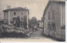 PAYS BASQUE - USTARITZ - Un Coin Du Bourg Et Route De L'église - France