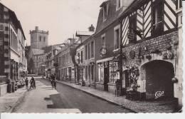 DIVES SUR MER - Rue De Lisieux - Dives