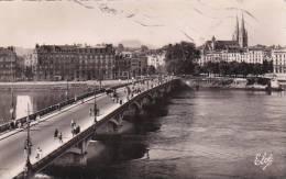 France Bayonne Le Pont St Esprit et la Cathedrale au fond la Rhu
